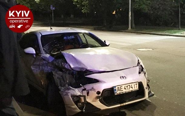 Ночной гонщик разбил три авто в Киеве