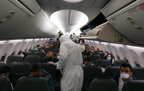 Самолетами эвакуировали триста украинцев