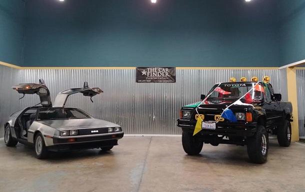 Автомобили из Назад в будущее выставили на аукцион