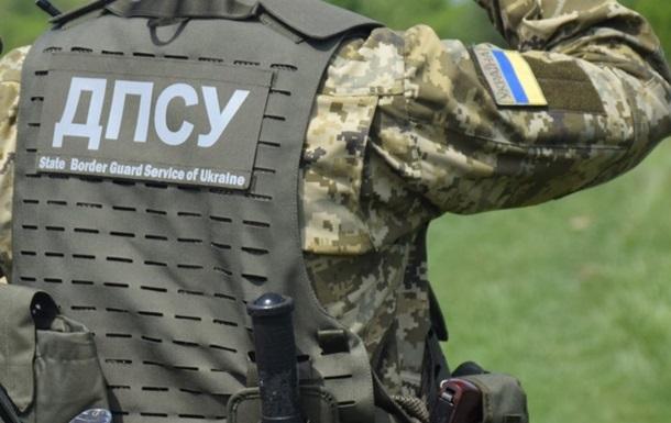 Пограничники изъяли 800 единиц оружия за год