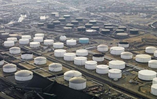 В США хранилища нефти заполнены на две трети