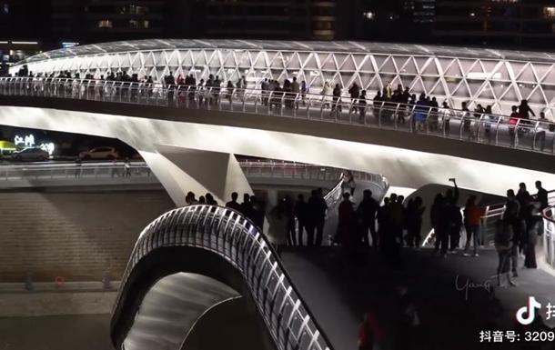В Китае открыли мост- ленту Мебиуса