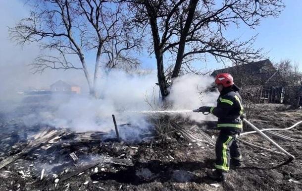 На Житомирщине пенсионерка погибла из-за поджога сухой травы