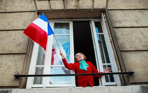 Громадяни Франції незадоволені боротьбою влади з коронавірусом