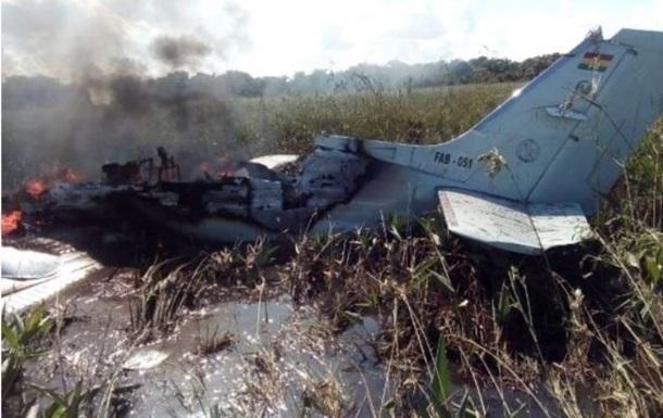 В Боливии разбился военный самолет с гражданами Испании