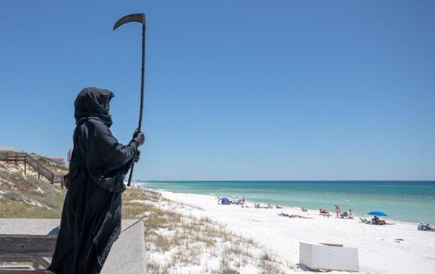 По пляжам Флориды ходит  смерть с косой