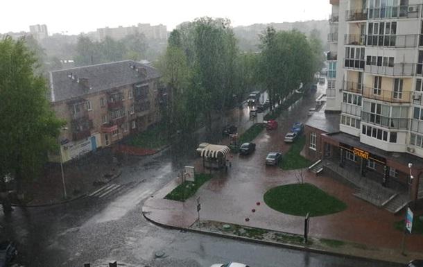 На Київ та область випала сильна злива