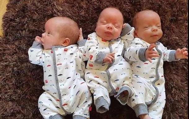 Британка народила рідкісну ідентичну трійню