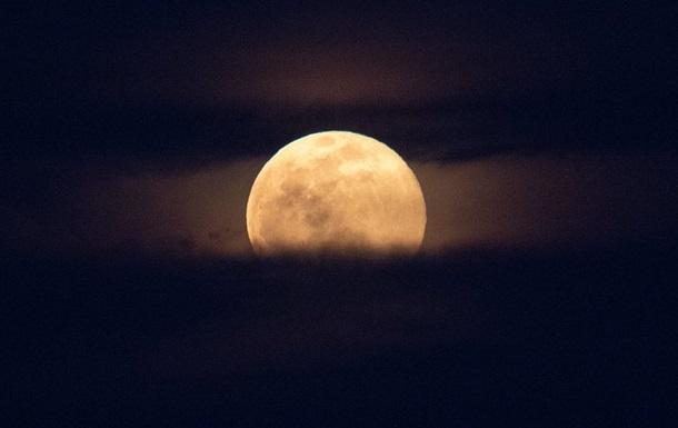 Місячний календар на травень 2020