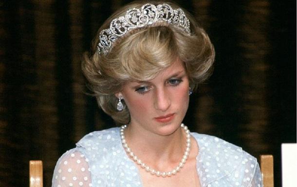 Принцеса Діана намагалася піти з життя кілька разів - ЗМІ