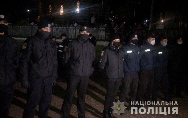 На Буковині побилися дві релігійні громади: є постраждалі