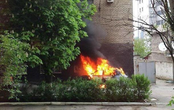 Кто и зачем взрывал иномарку в центре Донецка?