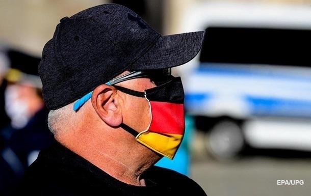 В Германии откроют все магазины и разрешат гулять семьями