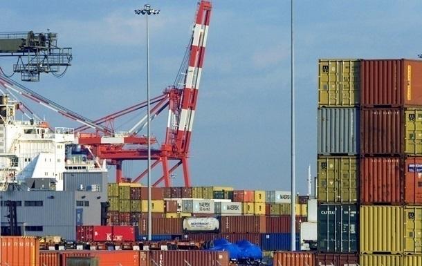 В Украине экспорт падает медленнее импорта
