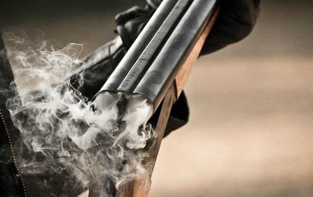 На Киевщине пьяный с ружьем устроил стрельбу
