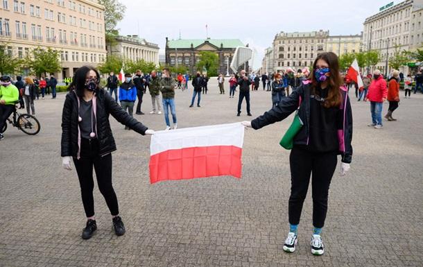 Перенос, но по почте. Скандал с выборами в Польше