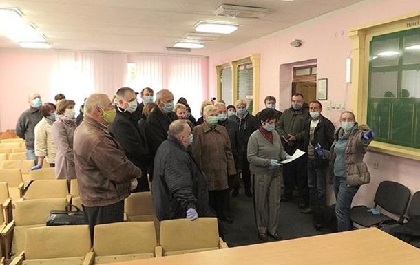 В Житомире уволен глава лаборатории: работники обратились к Зеленскому