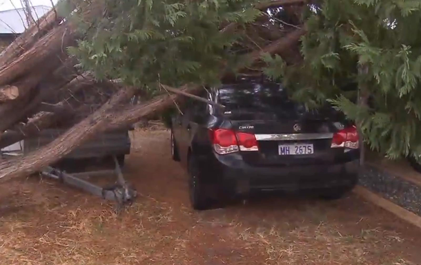 Австралія постраждала від сильного шторму
