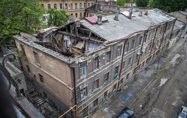 На фото показали наслідки обвалу будинку в Одесі