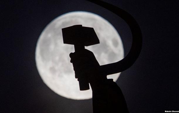 Поделить Луну и добывать. Что придумали в Штатах