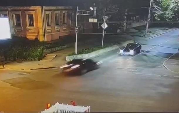 Момент ДТП во время погони в Днепре попал на видео