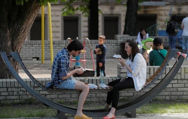 За рубежом от коронавируса лечатся почти 150 украинцев