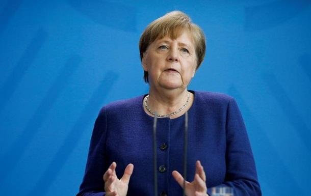 """Меркель заявила, что ФРГ вступает в """"новую фазу пандемии"""""""