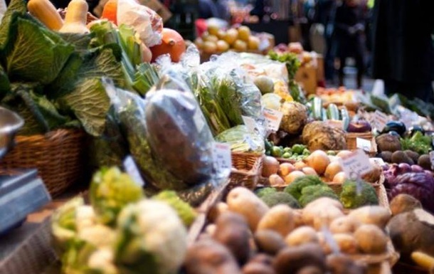 Курица с сальмонеллой и картошка для свиней: чем кормят украинцев