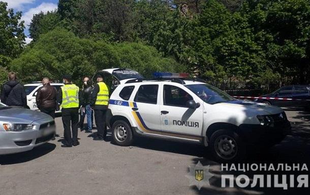 У Києві біля храму сталася стрілянина, поранено чоловіка