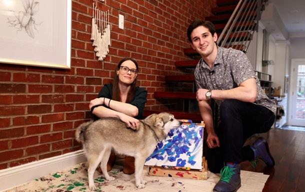 Галерея продає картини, намальовані собакою, і дарує канабіс