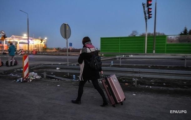 В Україну повернулися туристи із зарубіжних курортів