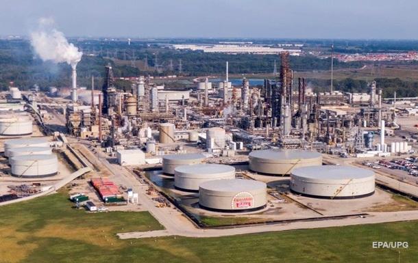 Спрос на нефть сокращается быстрее, чем добыча - МЭА