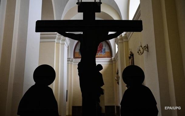 У Польщі просять розслідувати зґвалтування дітей у католицькій церкві