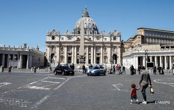 В Ватикане открыли для верующих собор Святого Петра