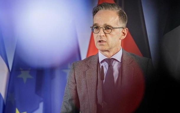 Уряд ФРН хоче скасувати застереження щодо поїздок за кордон