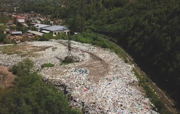 Закарпаття заповнене сміттєвими звалищами