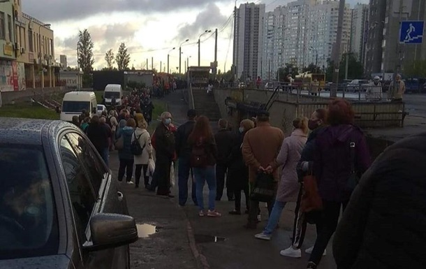 В Киеве утром огромные очереди на транспорт