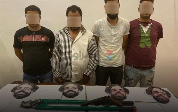 В Египте задержали банду, которая грабила магазины в масках Салаха