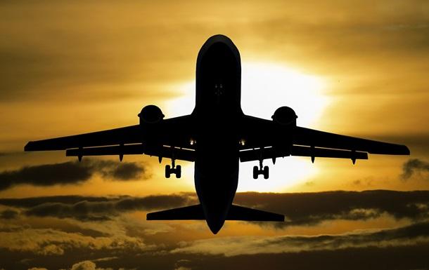 Оцінений ризик зараження COVID у літаку