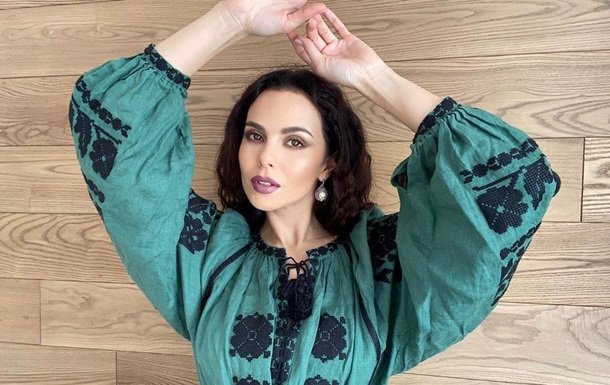Українські зірки похвалилися своїми вишиванками