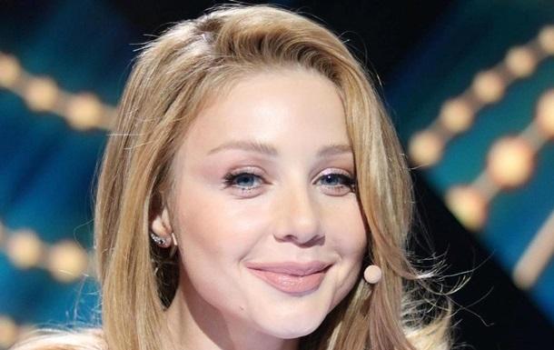 Поправилась : Тину Кароль сняли без макияжа в Карпатах