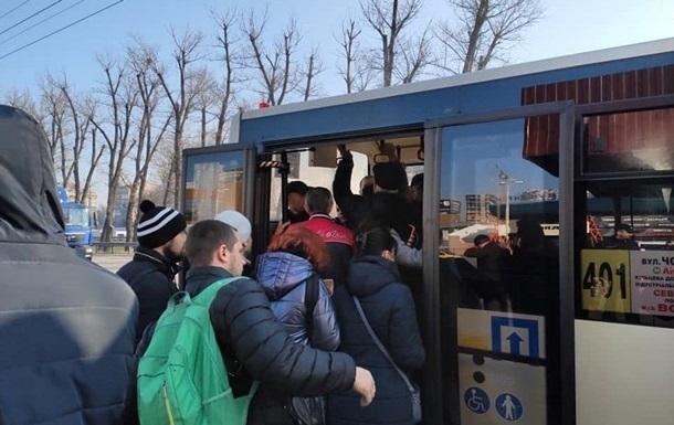 КМДА обмежить допустиму кількість пасажирів в наземному транспорті
