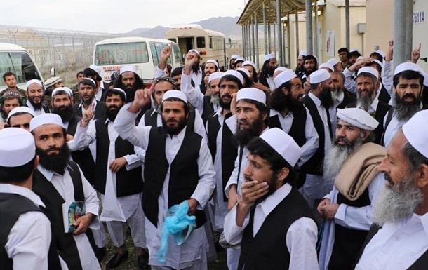 Президент Афганістану оголосив про звільнення до двох тисяч талібів