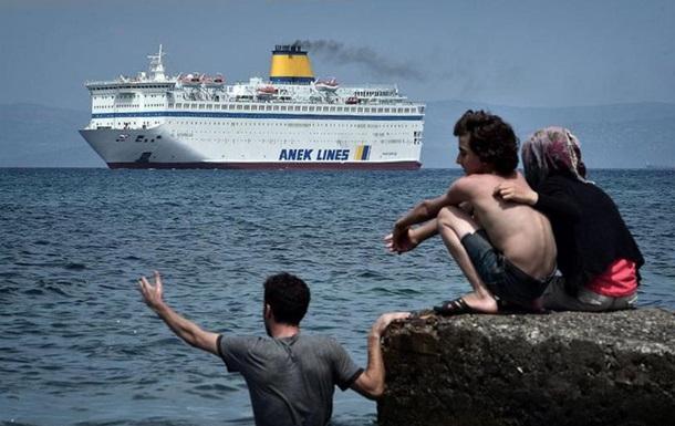 Греція відновлює поромне сполучення з островами