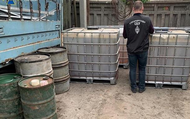 На Харьковщине военные тоннами воровали топливо