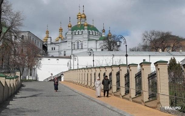 В Киеве после карантина открылись три монастыря