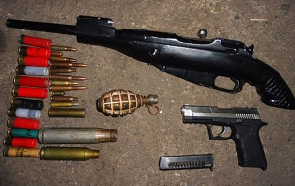 Необізнаність людей та незаконність як одні із найбільших проблем обігу зброї