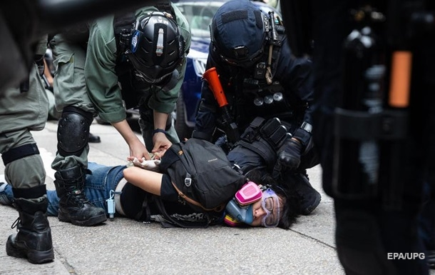В Гонконге вспыхнули антикитайские протесты