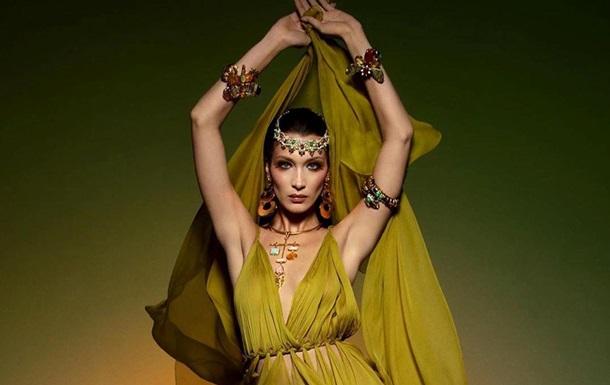 Белла Хадід знялася в прозорій сукні для Vogue