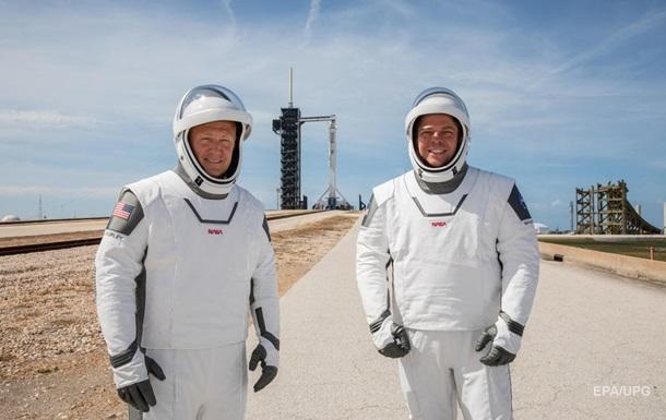 Шаг в будущее. Маск запускает астронавтов на МКС